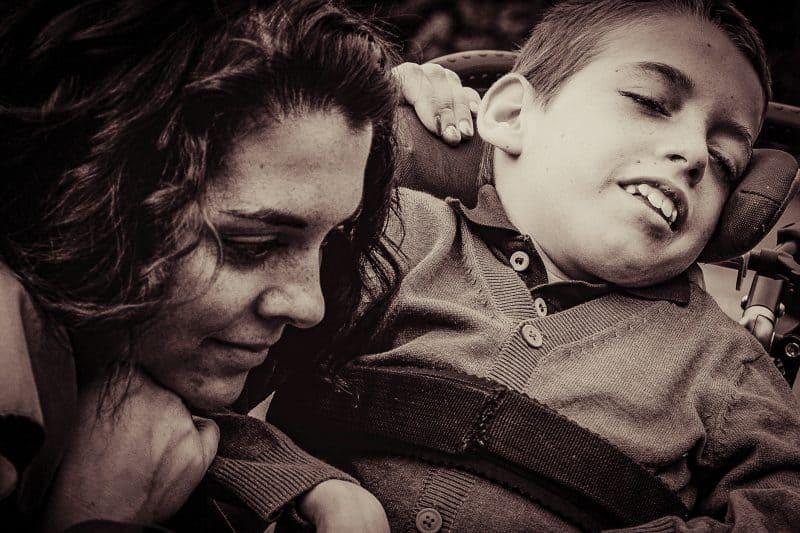 Familienshooting in Wien mit einem Kind, dass eine Behinderung hat